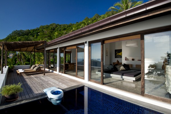 Modern Tropical Design Mixed with Traditional Thai Elements: Casas on thai accessories, hd modern house design, thailand thai house design, thai illustration, small two bedroom house exterior design, french modern house design, zen garden design, thai house design ideas, thai decorating ideas, zen interior design, mediterranean modern house design, brazilian modern house design, sri lankan modern house design, american modern house design, new zealand modern house design, zen house design, tropical beach house interior design, thai contemporary house,