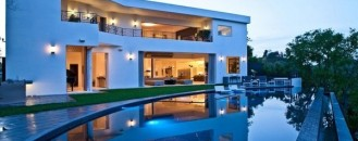 Massive $12 Million Estate with Infinity Pool in LA, California [Video]