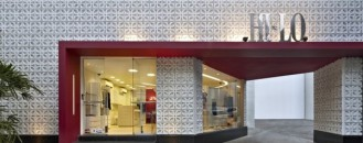 Clothes Store Design Based on Color Contrasts: Hi-lo in Brazil
