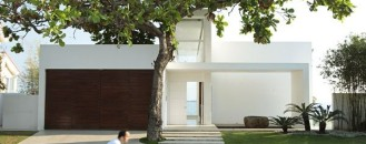 Contemporary Architect's Residence in The Philippines: Batangas House