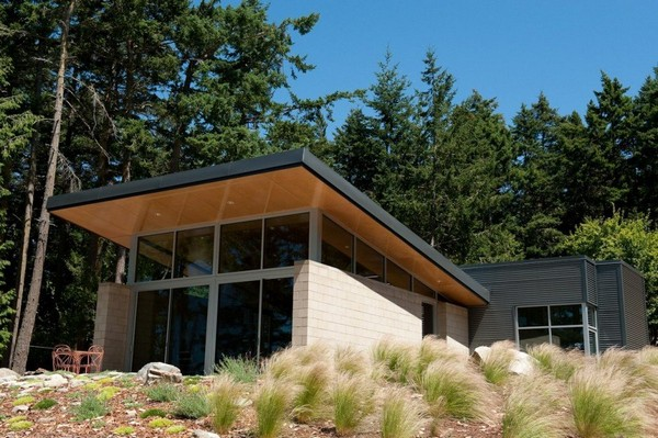 Contemporary Cabin With Intriguing Design Details In