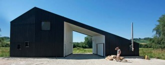 Interesting Minimalist Architecture in a Rural Landscape: Little Black Dress