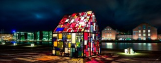 Tom Fruin's Kolonivehus – Colorful Interpretation of Life and Art