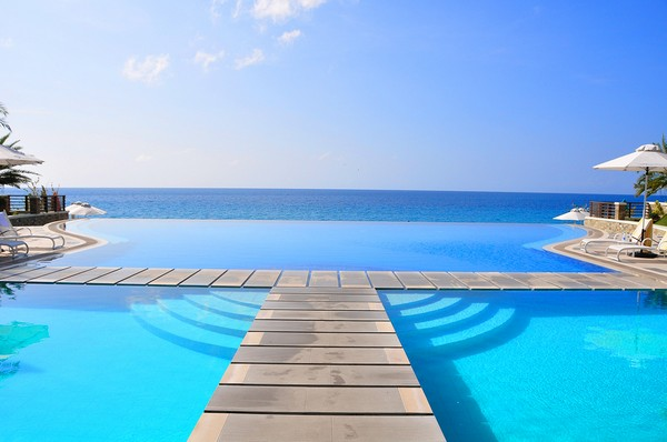 30 Spectacular Infinity Pools That Will Rock Your Senses Part One