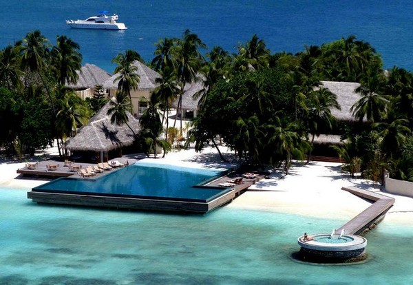 Infinity pool beach house Oceanfront Collect This Idea Trendir 30 Spectacular Infinity Pools That Will Rock Your Senses part Two