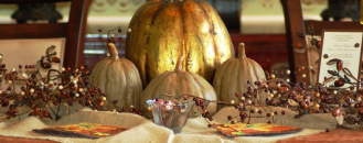 How to Welcome Guests into your Home with Autumn Centerpieces