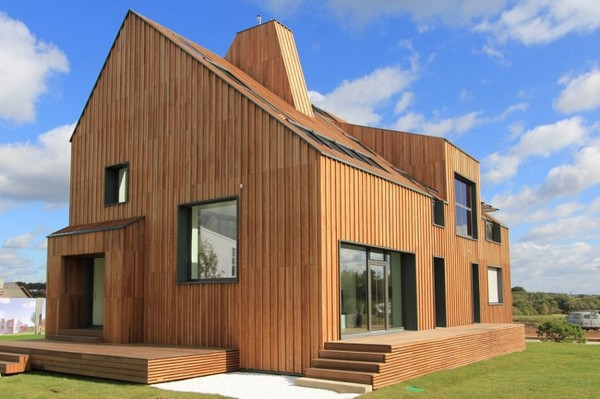 Russia's First Active House by Polygon Lab