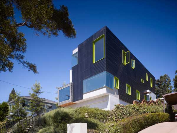 Sustainable Systems Embeded in a Fascinating Architecture: Los Feliz Residence