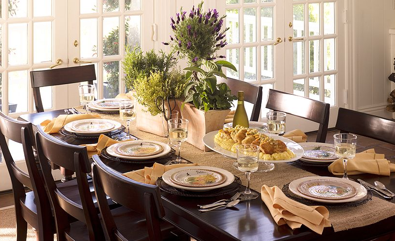 10 Thanksgiving Prep Tips To Help You Enjoy Your Guests This Holiday