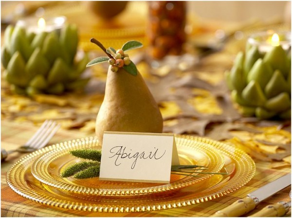 How to Set a Personalized Thanksgiving Dinner Table