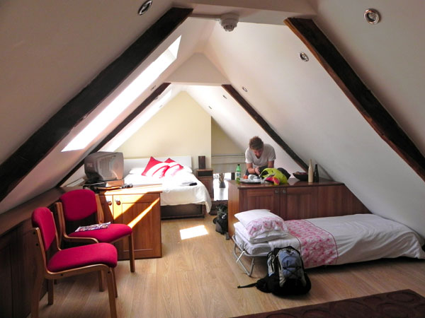 39 Attic Rooms Cleverly Making Use Of All Available Space Freshomecom