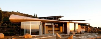 Using Airplane Parts To Create Sustainable Architecture: Wing House [Video]