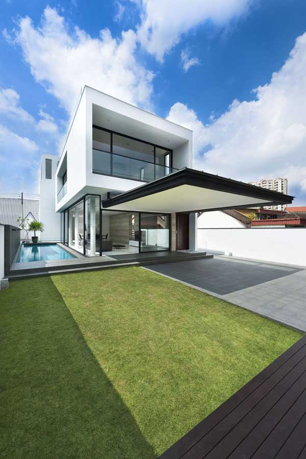 Volumes Shaping a Linear Floor Plan: Alnwick Road House