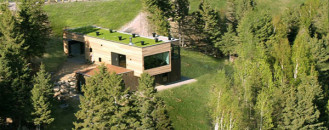 Elegant and Energy Efficient: The Malbaie V Residence in Quebec