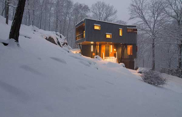 Secluded Cottage Retreat Promising a Modern Lifestyle