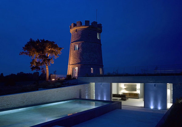 Round Tower in the Uk Converted Into Contemporary Family Home