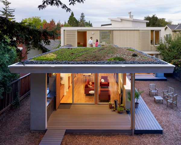 Sustainable Family Residence in California: 2 Bar House