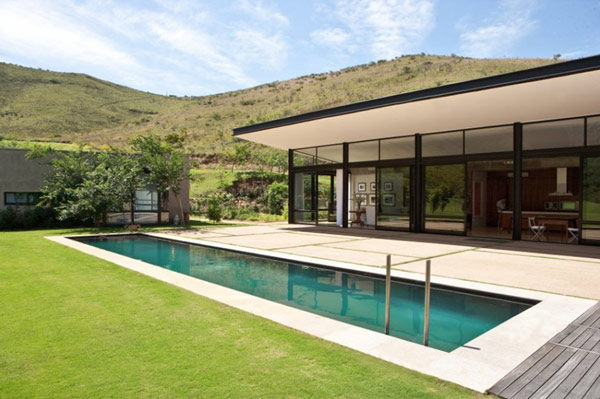 Private Residence in South Africa Surrounded by a Magnificent Landscape