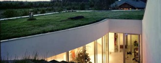 Deeply Embedded In The Green Landscape : OUTrial House