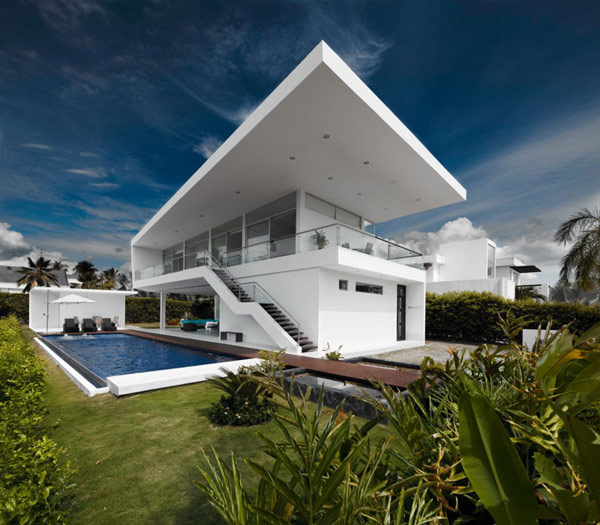 Residence in Colombia Displaying a Minimalist Design Approach: GM1 House
