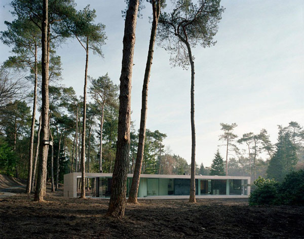 """Diverse """"Y""""-shaped Modern Residence in The Netherlands: Villa 1"""