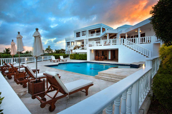 Holiday Villa in Anguila Overlooking the Caribbean: Harmony Residence