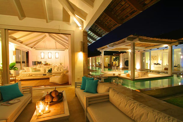 Spectacular Thailand Villa Built Around A Central Swimming Pool