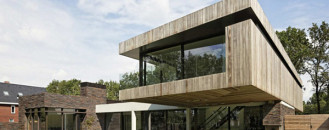 L-Shaped Modern Villa in the Netherlands: House At The Edge Of A Forest