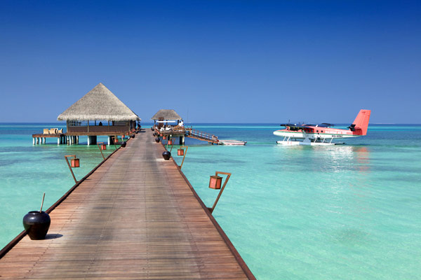 Scenic Holiday Retreats in Kanuhura Resort, Maldives