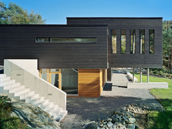 Home Resembling a Wooden Vessel in Norway: Villa Storingavika