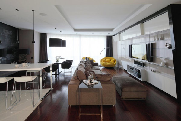 Contrasting Colors and Diverse Materials in a Modern Apartment in Moscow