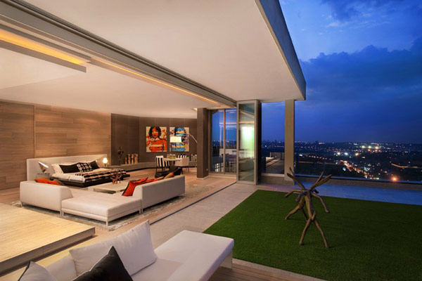 """Smart Home"" Concept Applied to Three-level Penthouse in Johannesburg"