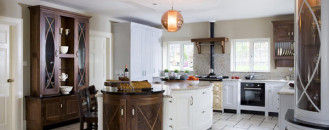 Bespoke Kitchen Design Meeting the Owners' Flamboyant Nature