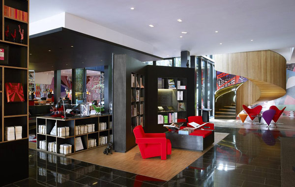 Inside the Colorful and Refined CitizenM Hotel in London | Freshome.com