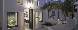 Built with Respect for Local Architecture: Elegant LINEA PIU Boutique in Mykonos