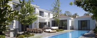 Inspiring Home Design in Israel Blurring Indoor/Outdoor Boundaries