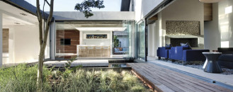 """""""Barefoot Luxury"""" Displayed by Modern Family Home in Cape Town"""