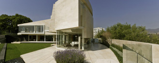 Beige Marble L-Shaped Mansion With Stunning Garden View