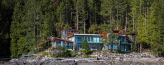 The Pender Harbour Estate Mirroring a Magnificent Landscape in Canada