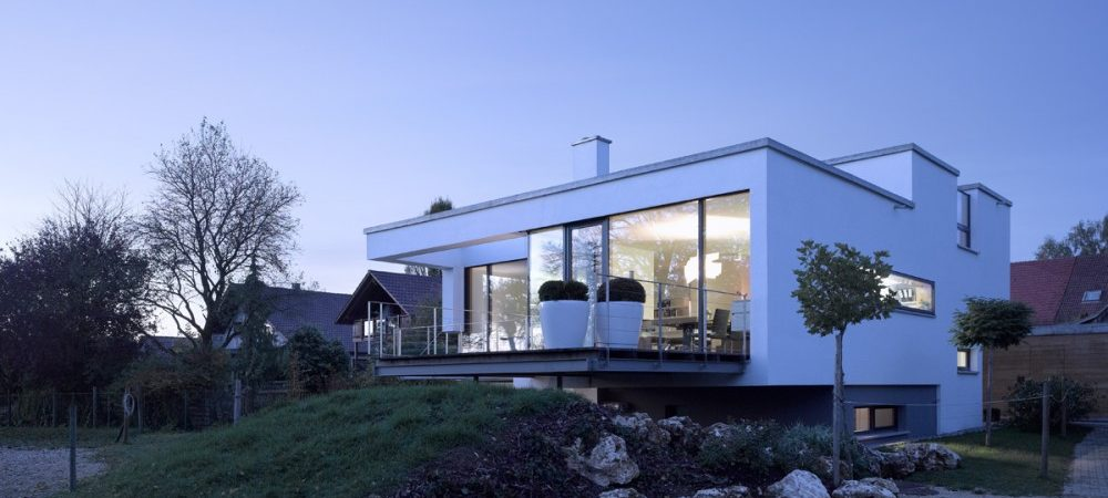 "The ""Mound"" House Designed by Liebel Architekten BDA"