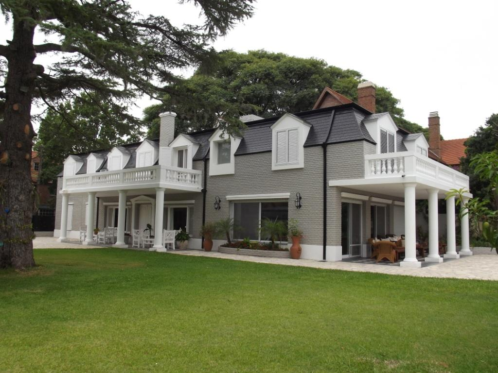 House Enlargement And Redesign In Argentina By César Boratyn