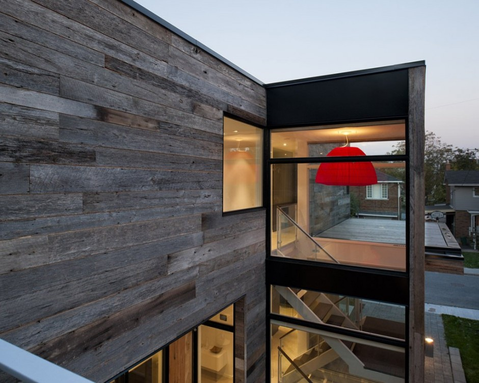 Minimalist Zen Like Barn With External Cladding In Ottawa Canada
