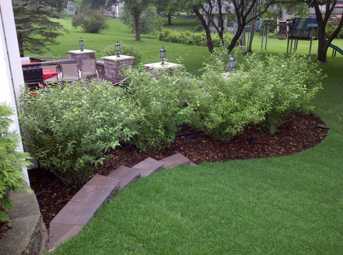 exterior ideas landscaping mulch