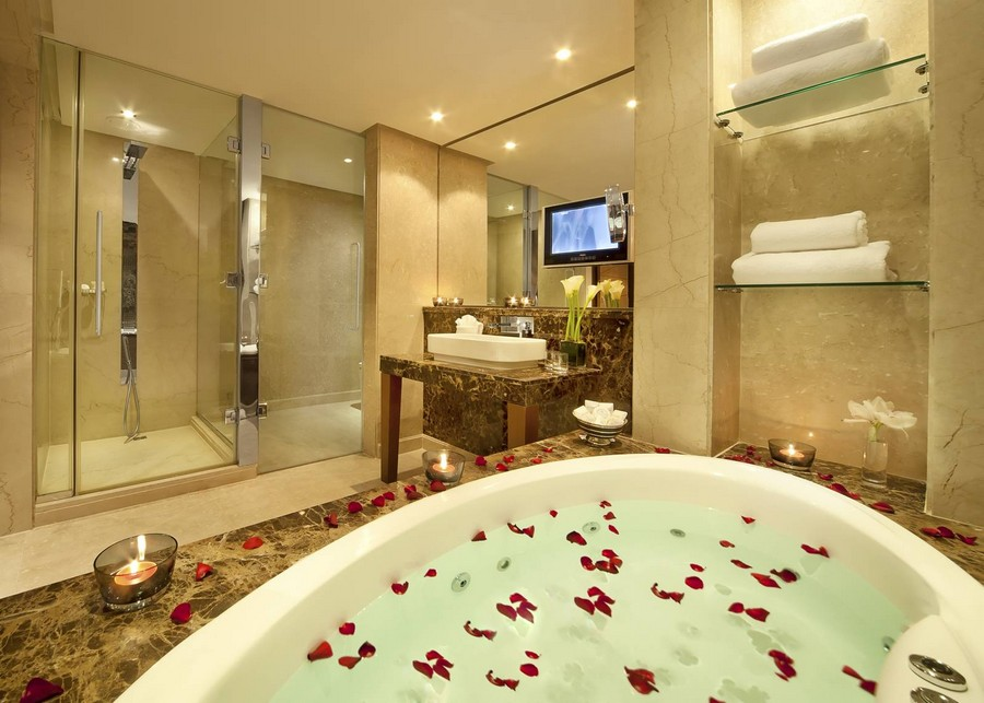 luxury-hotel-bathroom-bahrain-from-gulf