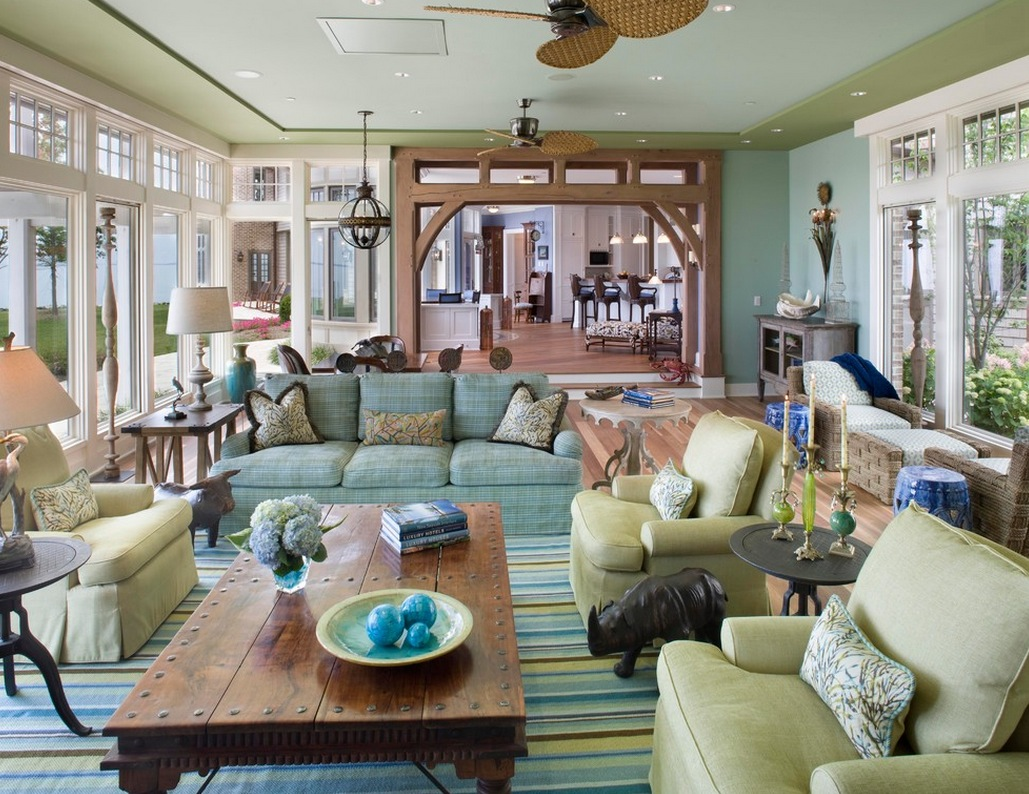 Summer color family room
