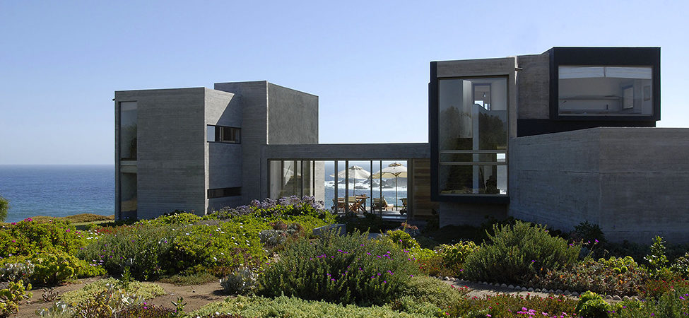 Gorgeous Summer House With Beach View in Chile