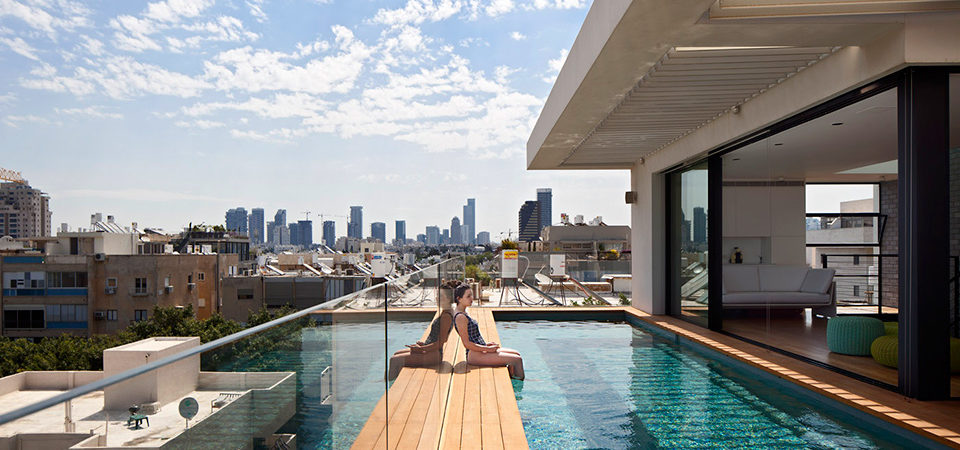 The Fifth Floor Swimming Pool: An Excellent Addition To A New Home In Tel Aviv