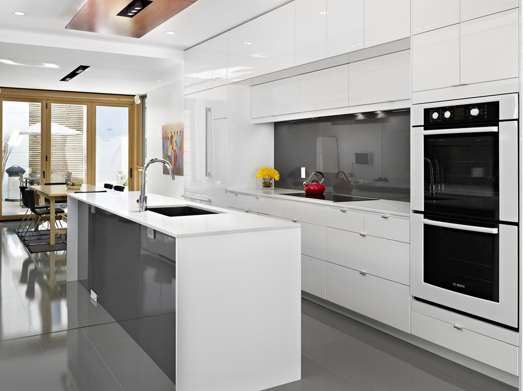 All White Modern Kitchen decorating with white modern kitchen