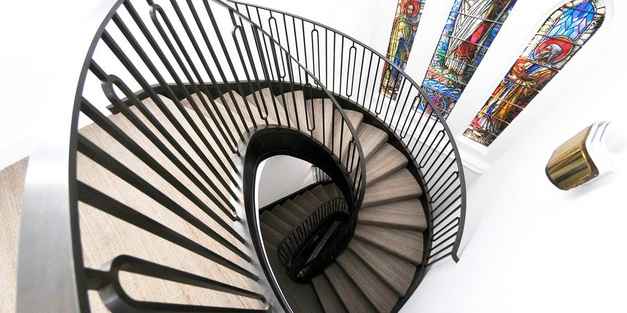 Tribute to Dedicated Craftsmanship: Impressive Spiral Staircase in London