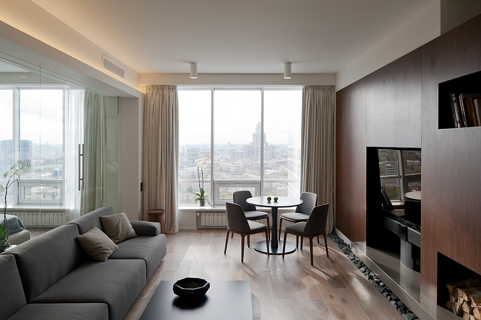 Compact and Stylish Apartment in Moscow with Panoramic Views by SL*Project